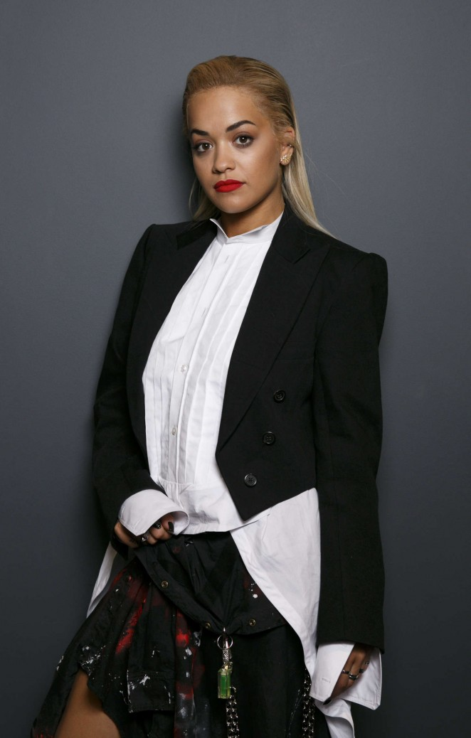 Rita-Ora--Visits-the-Kiss-FM-Studios-