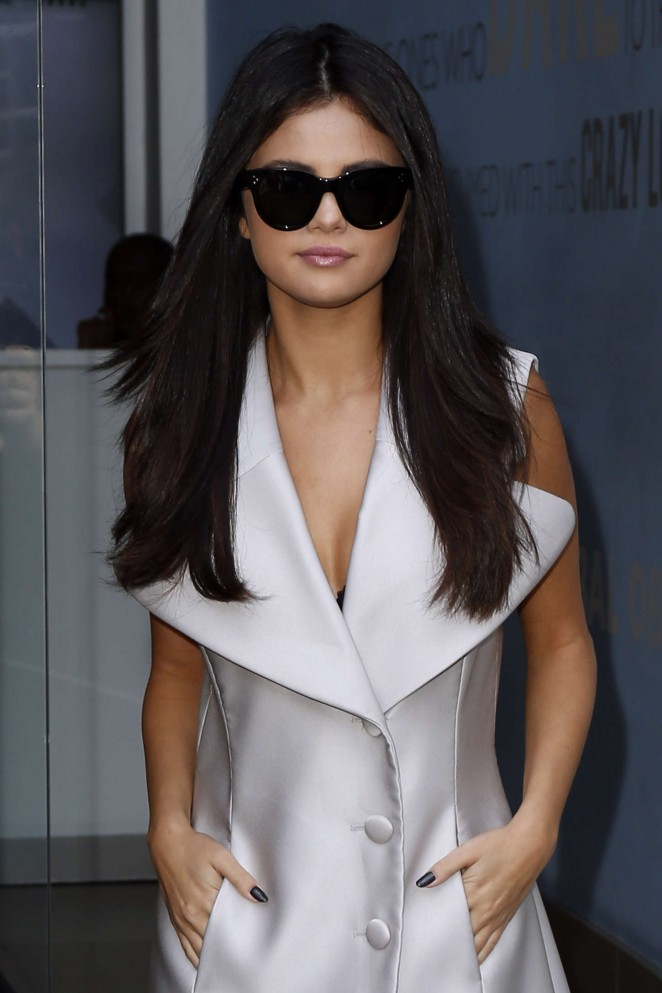 Selena-Gomez-at-Capital-Radio-Studios-