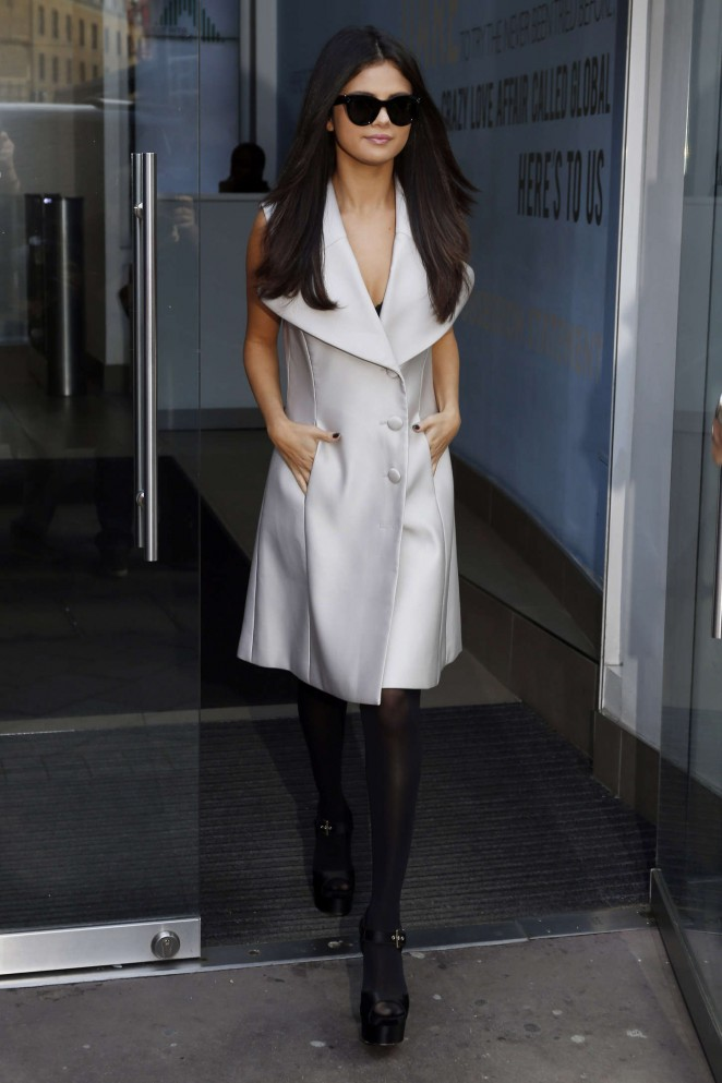Selena-Gomez-at-Capital-Radio-Studios--
