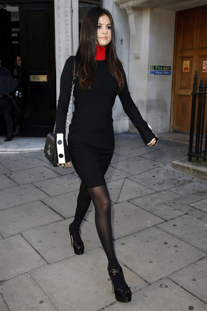 Selena-Gomez-in-edun-revival-london-tour-