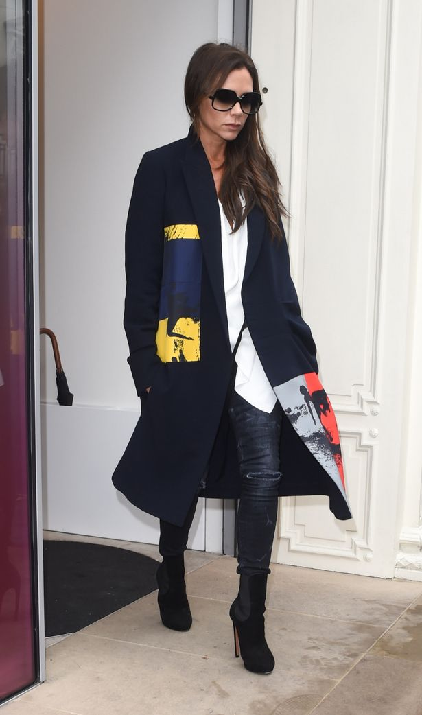 Victoria Beckham In Victoria Beckham – Out In London