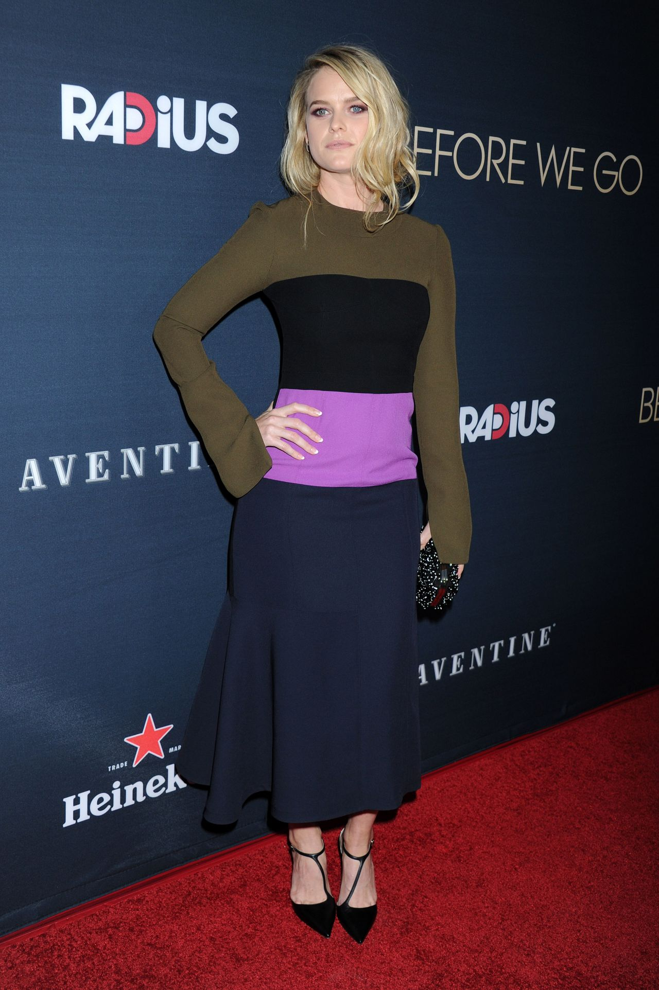 alice-eve-before-we-go-premiere-in-hollywood_24