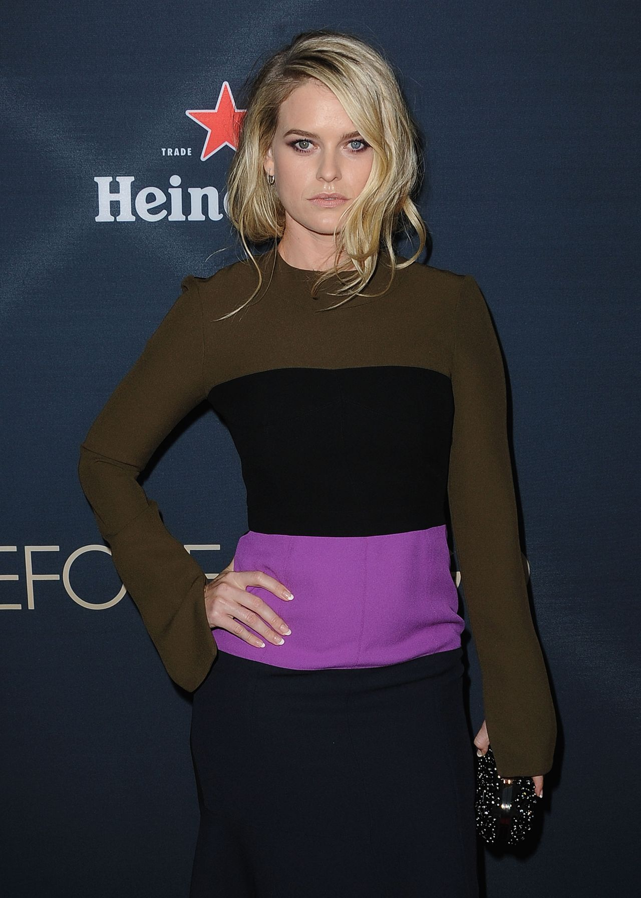 alice-eve-before-we-go-premiere-in-hollywood_3