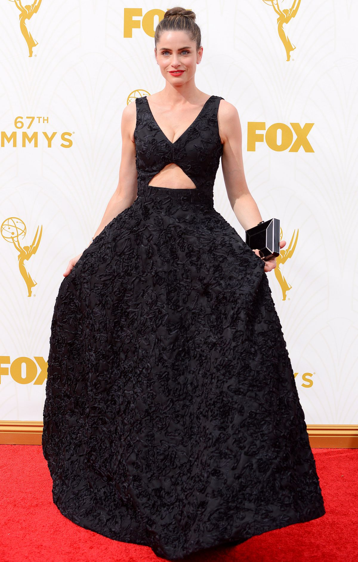 amanda-peet-at-2015-emmy-awards-in-los-angeles-09-20-2015_1