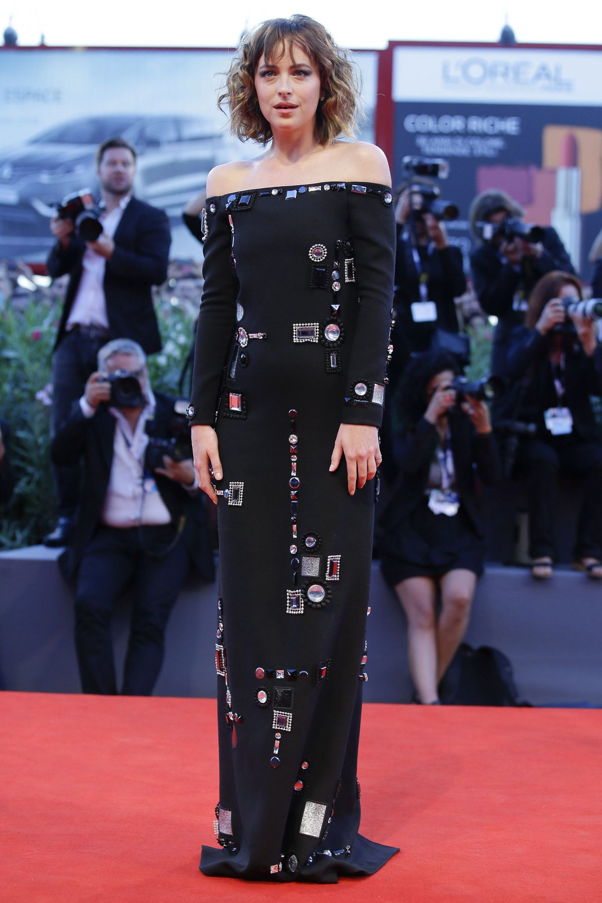 dakota-johnson-at-bigger-splash-premiere-at-72nd-venice-film-festival-09-06-2015_1-1