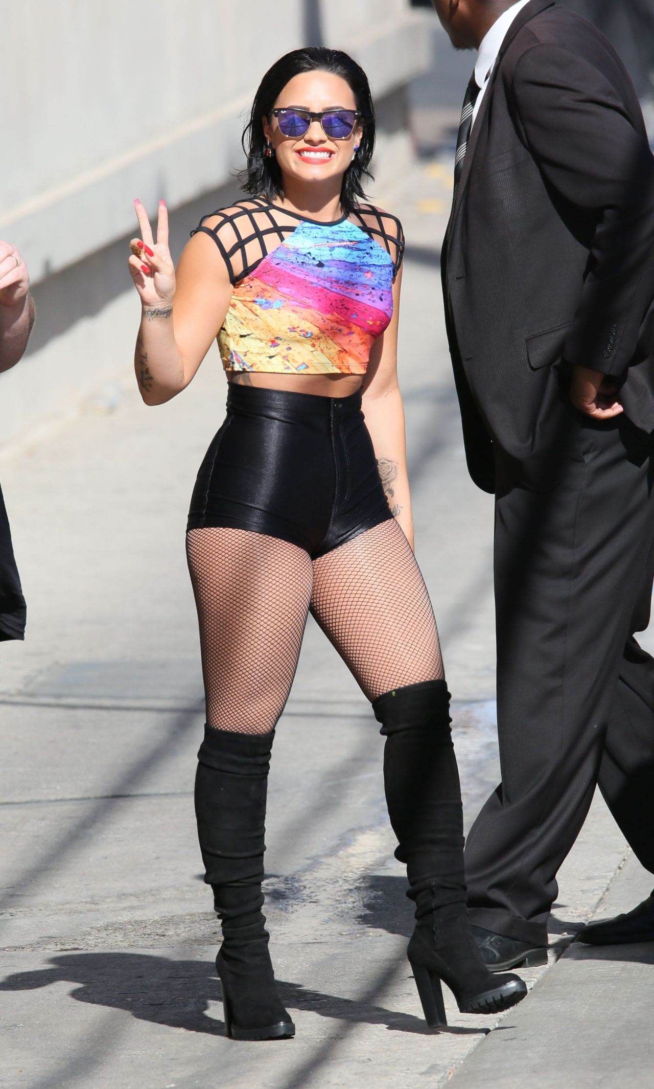 demi-lovato-at-jimmy-kimmel-live-in-hollywood-august-2015_30