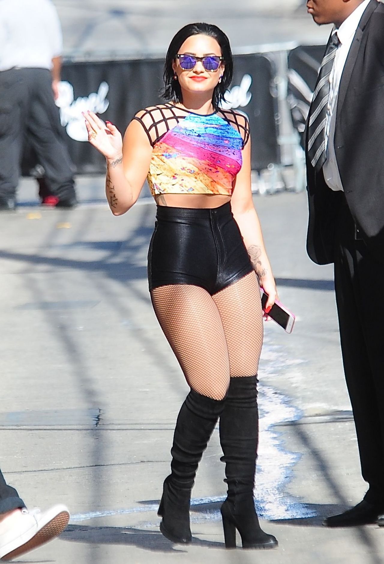 demi-lovato-at-jimmy-kimmel-live-in-hollywood-august-2015_4