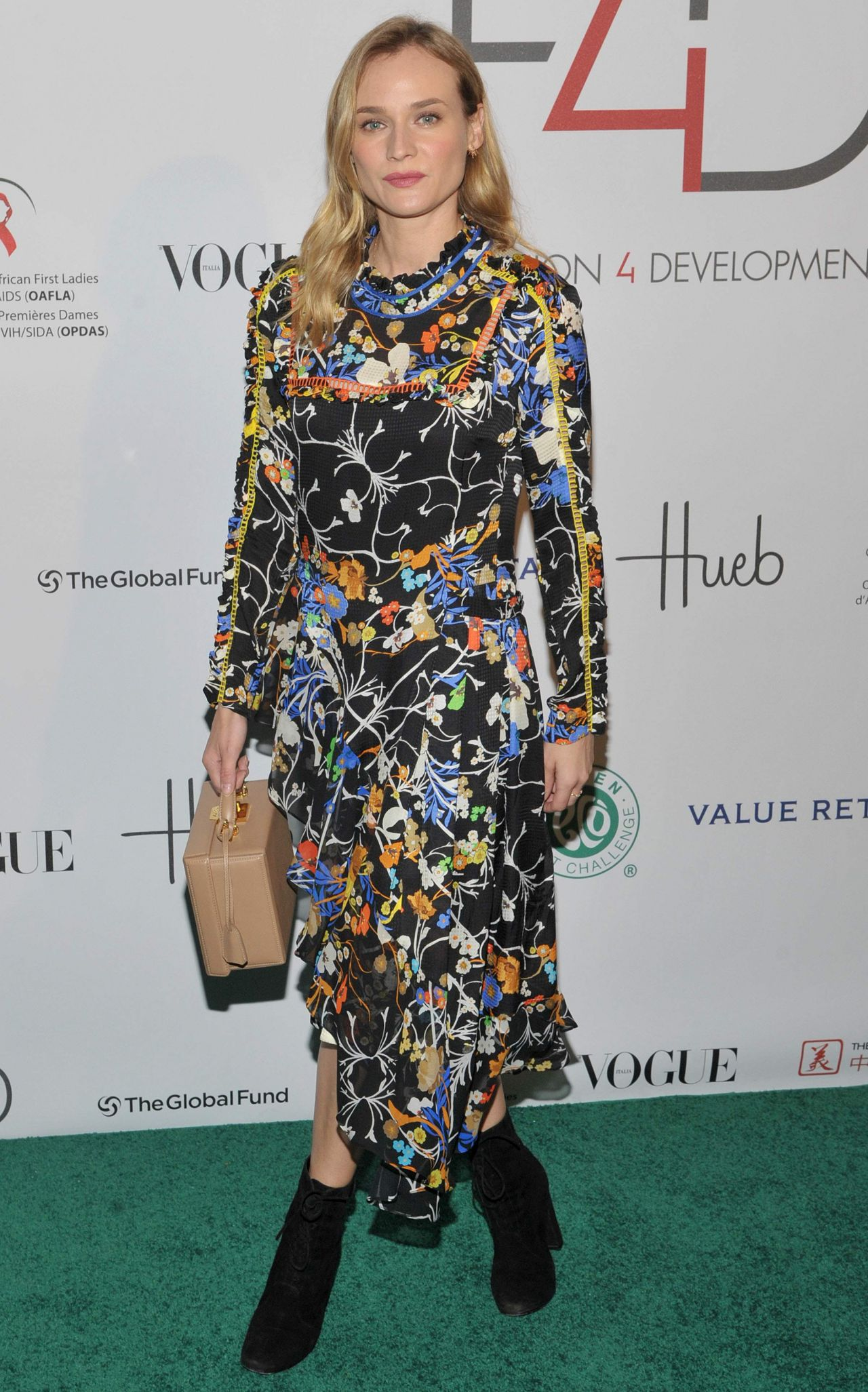 diane-kruger-2015-fashion-4-development-s-official-first-ladies-luncheon-in-nyc_1