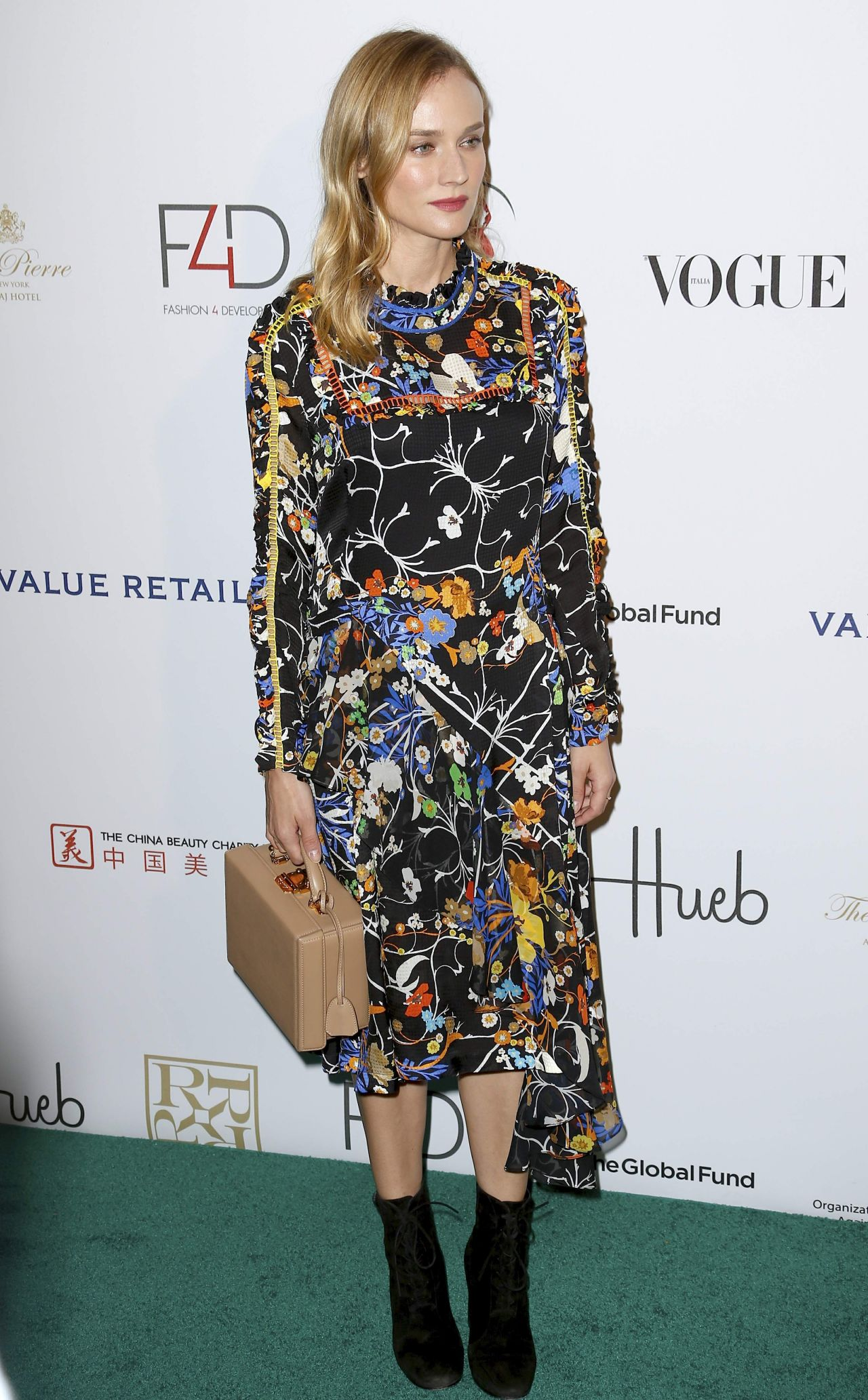 diane-kruger-2015-fashion-4-development-s-official-first-ladies-luncheon-in-nyc_5