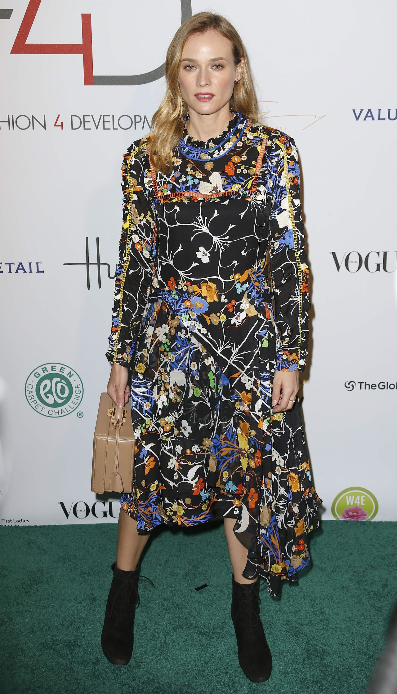 diane-kruger-2015-fashion-4-development-s-official-first-ladies-luncheon-in-nyc_9