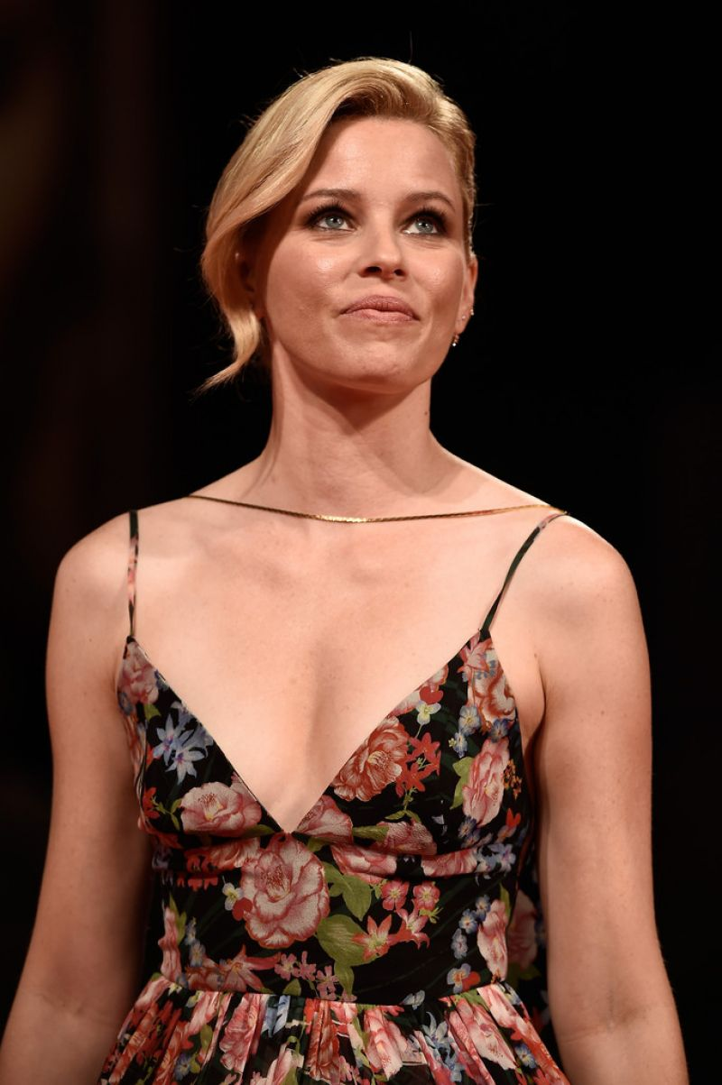elizabeth-banks-at-beasts-of-no-nation-premiere-at-2015-venice-film-festival-09-03-2015_1