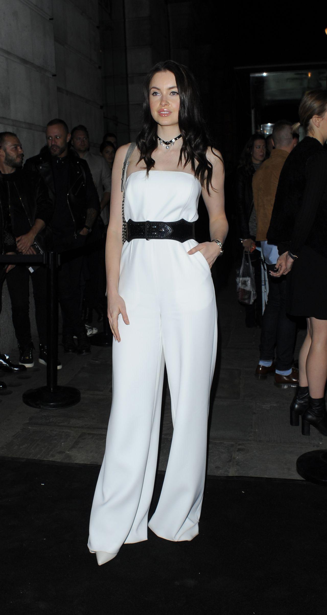 emma-miller-versus-show-at-london-fashion-week-september-2015_2