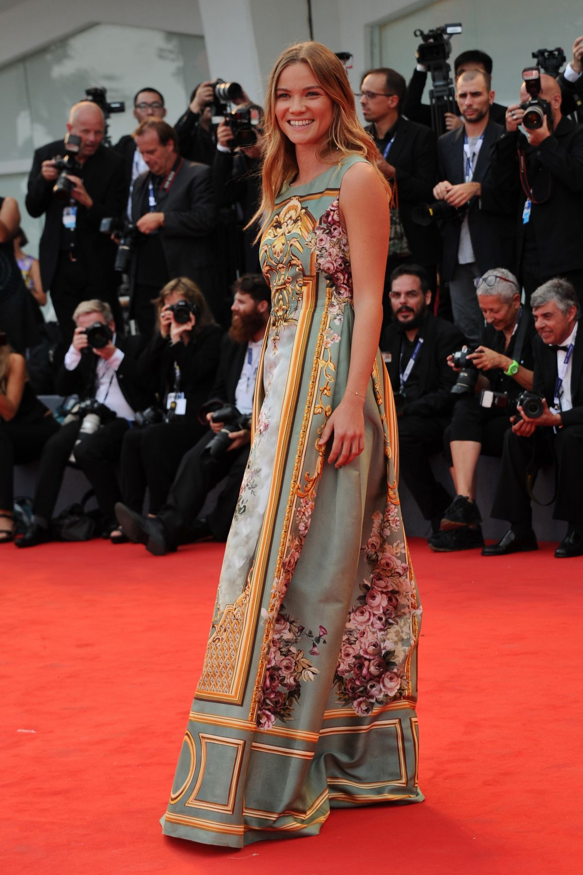 fiammetta-cicogna-at-everest-premiere-and-72nd-venice-film-festival-opening-ceremony_19