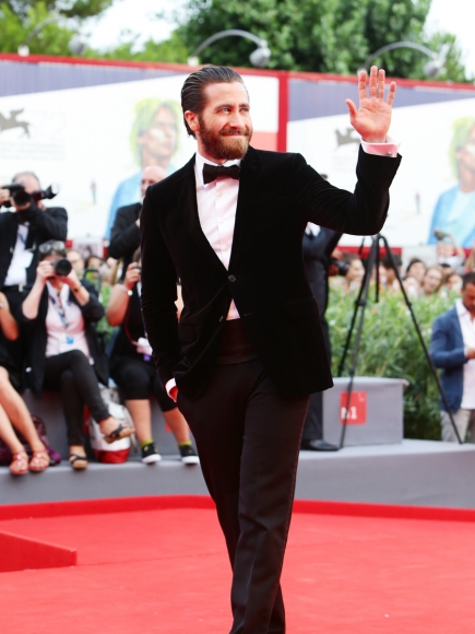 jake-gyllenhaal-venice-everest-09022015-09-435x580