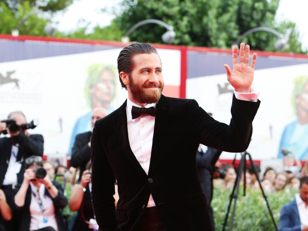jake-gyllenhaal-venice-everest-09022015-09-600x450