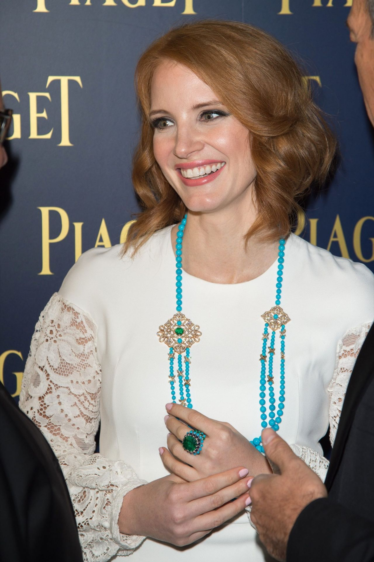 jessica-chastain-piaget-grand-opening-in-milan-september-2015_3