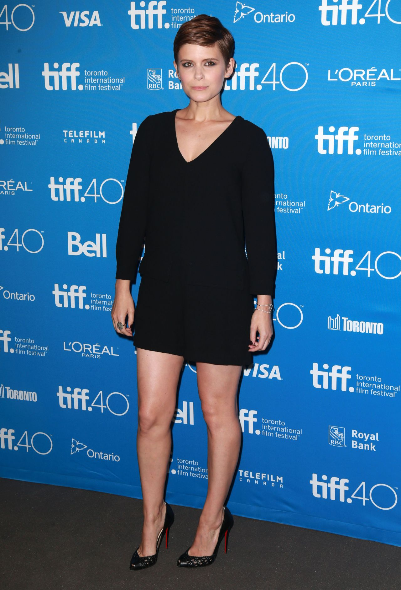 kate-mara-man-down-press-conference-at-2015-toronto-international-film-festival_1