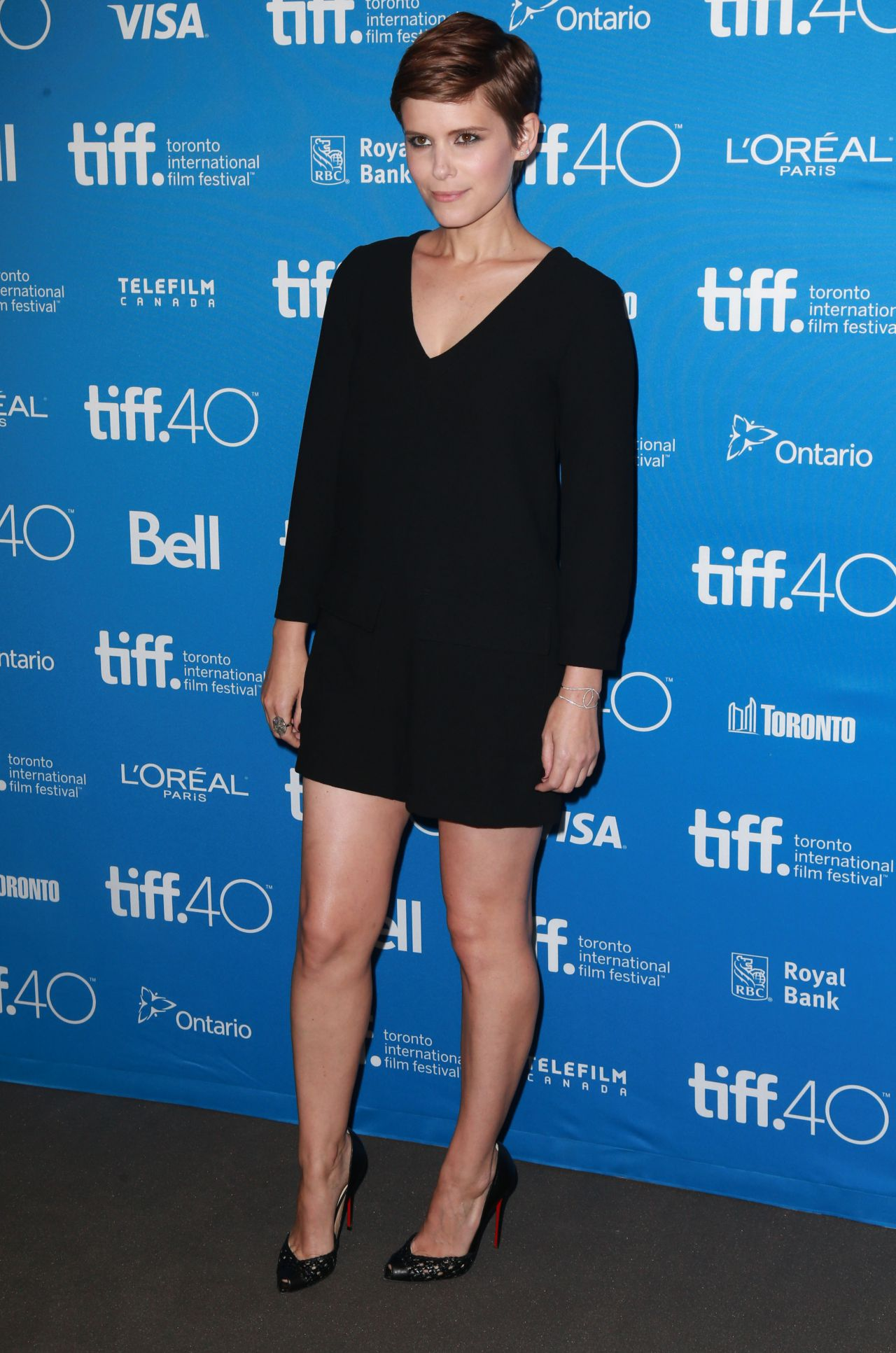 kate-mara-man-down-press-conference-at-2015-toronto-international-film-festival_7