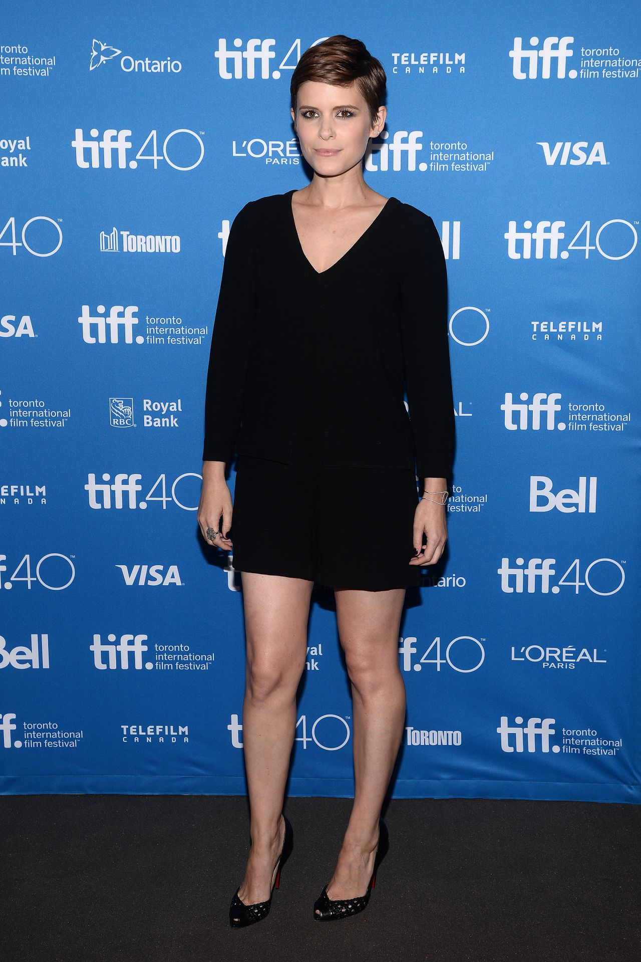 kate-mara-man-down-press-conference-at-2015-toronto-international-film-festival_9