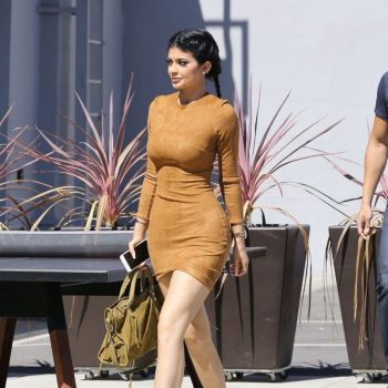 kylie-jenner-flaunts-her-curves-in-skin-tight-dress-going-to-smashbox-studios-in-culver-city-september-2015_8
