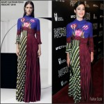 Lizzy Caplan in Mary Katrantzou At  'Sleeping with Other People' LA Premiere