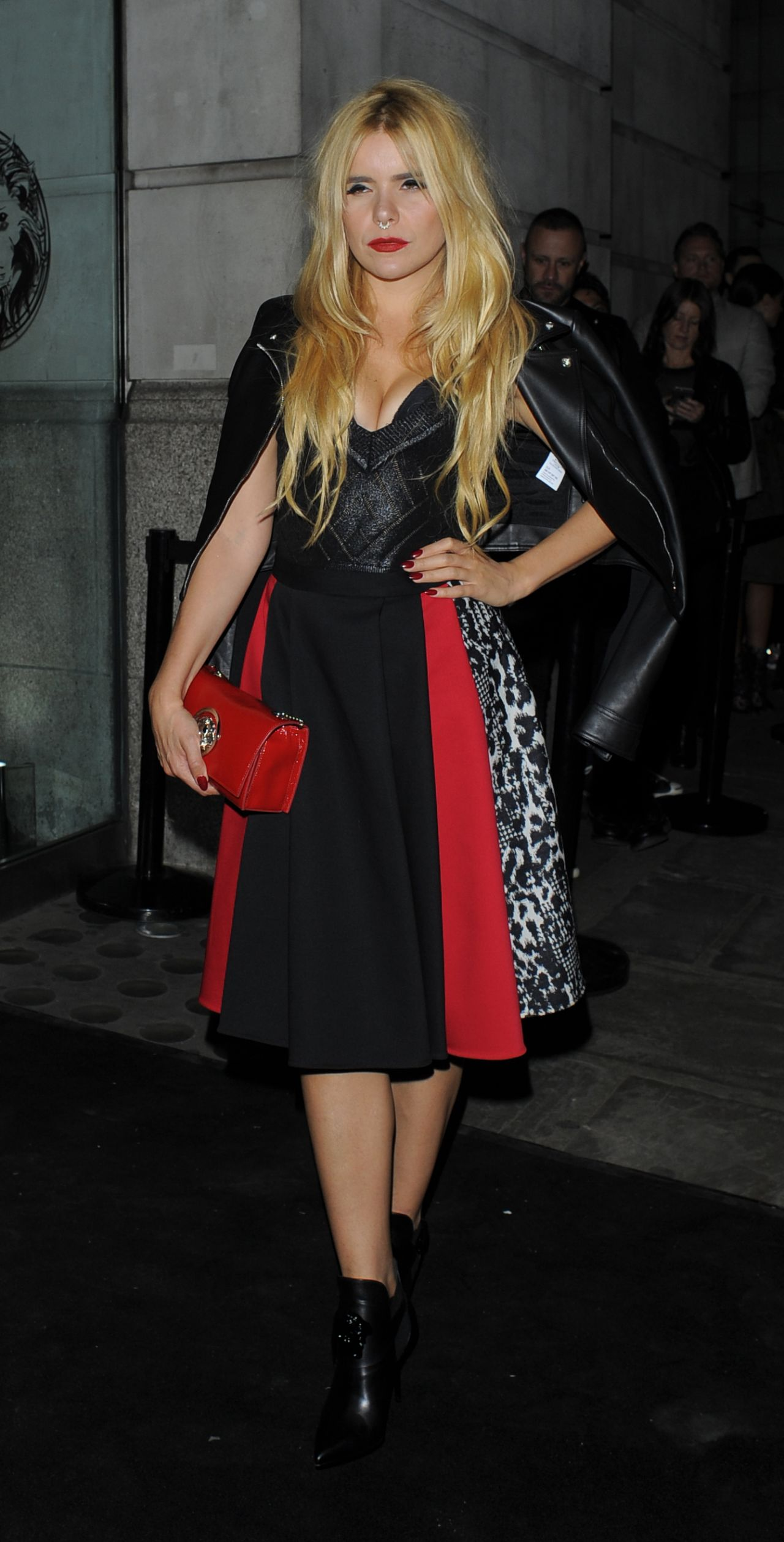 paloma-faith-versus-show-at-london-fashion-week-september-2015_1
