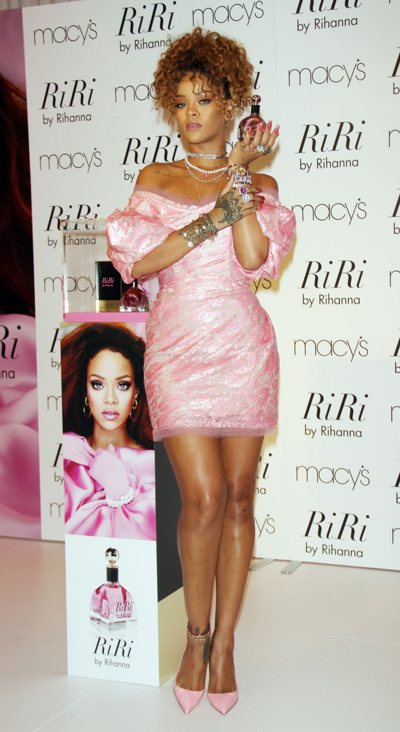 rihanna-riri-fragrance-launch-in-nyc_1