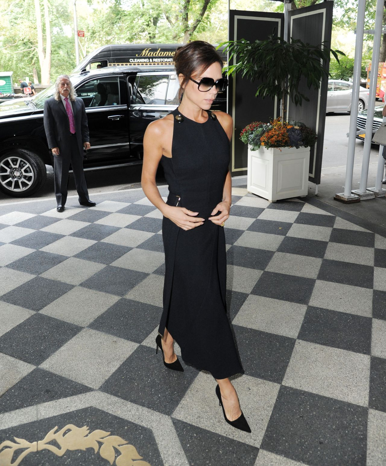 victoria-beckham-out-in-new-york-city-september-2015_7