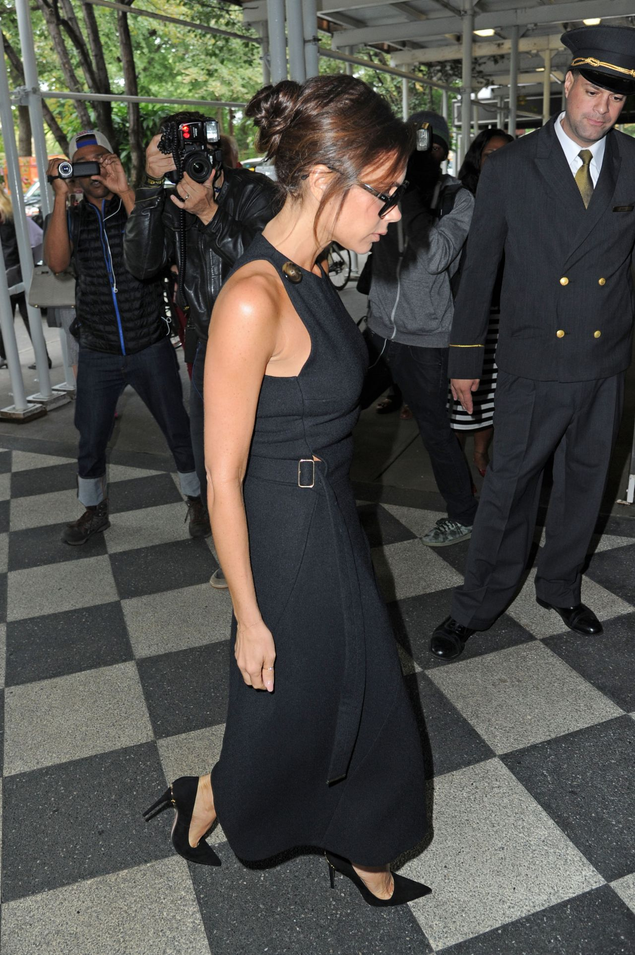 victoria-beckham-out-in-new-york-city-september-2015_8