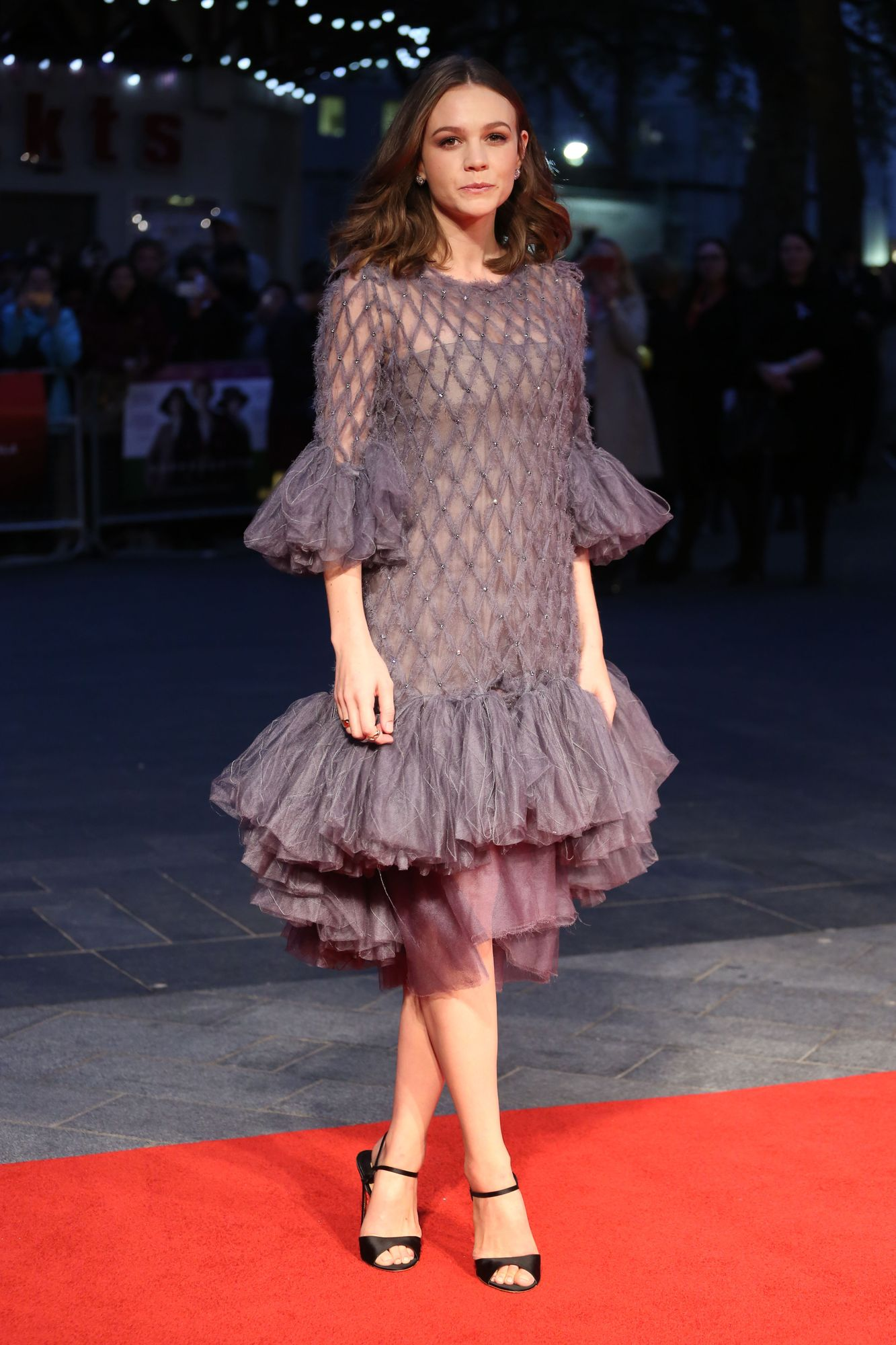 carey-mulligan-in-chanel-couture-suffragette-london-film-festival-opening-night-gala-premiere