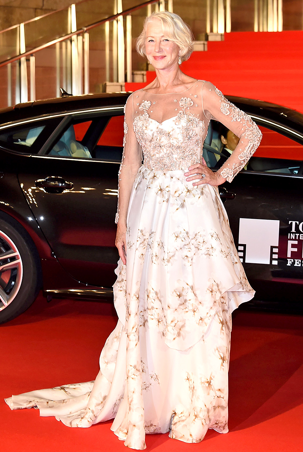 1445helen-mirren-in-badgley-mischka-tokyo-international-film-festival-2015-opening-ceremony