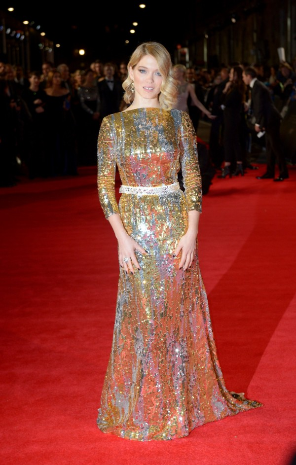 lea-seydoux-in-prada-at-spectre-london-premiere