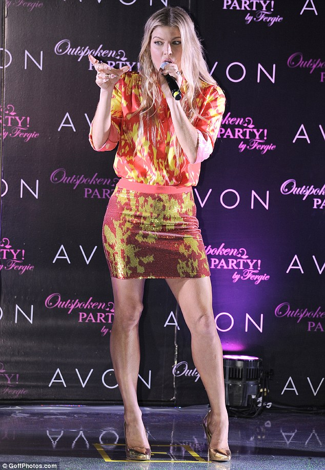 fergie-in-emanuel-ungaro-outspoken-party-by-fergie-launch-party
