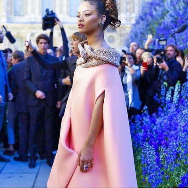 rihanna-attends-diors-paris-fashion-show