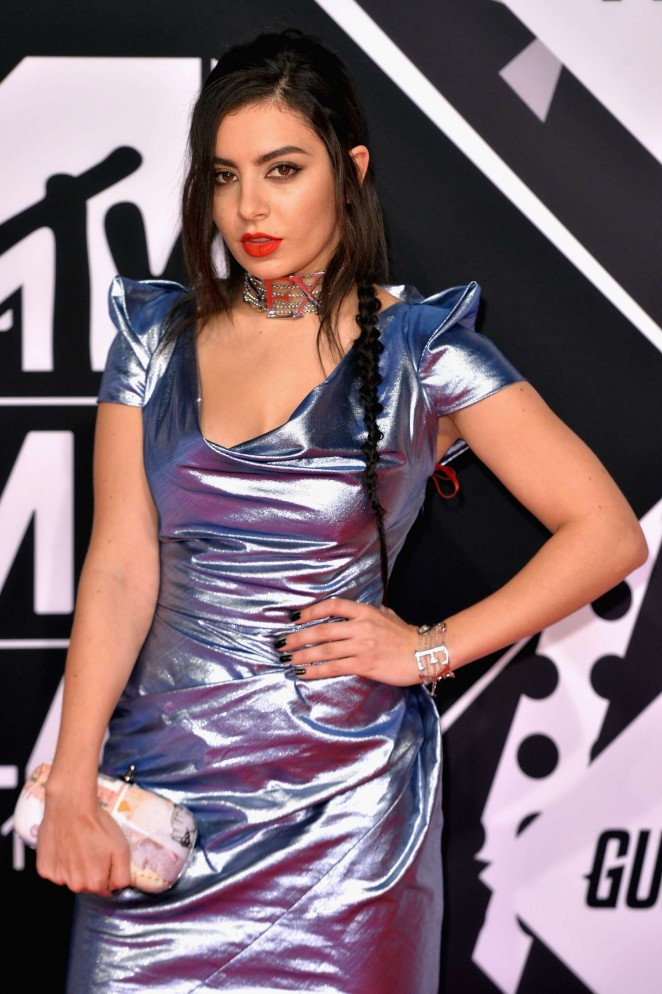 Charli-XCX--2015-MTV-European-Music-Awards-