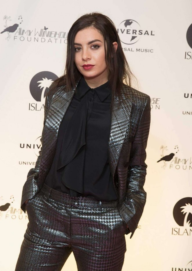 Charli-XCX--Amy-Winehouse-Foundation-Gala--03-662x934