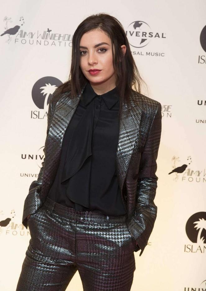 Charli-XCX--Amy-Winehouse-Foundation-Gala--03-662x934