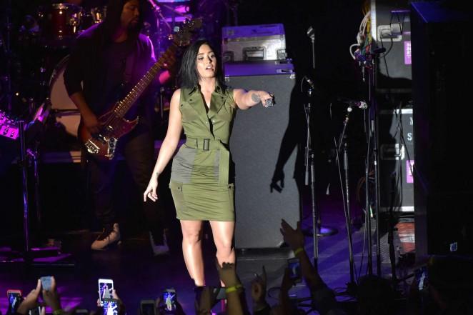 Demi-Lovato--Future-Now-Tour-Announcement--14-662x441