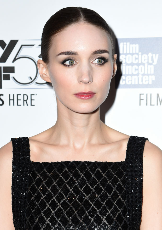 rooney-mara-in-chanel-couture-carol-new-york-premiere