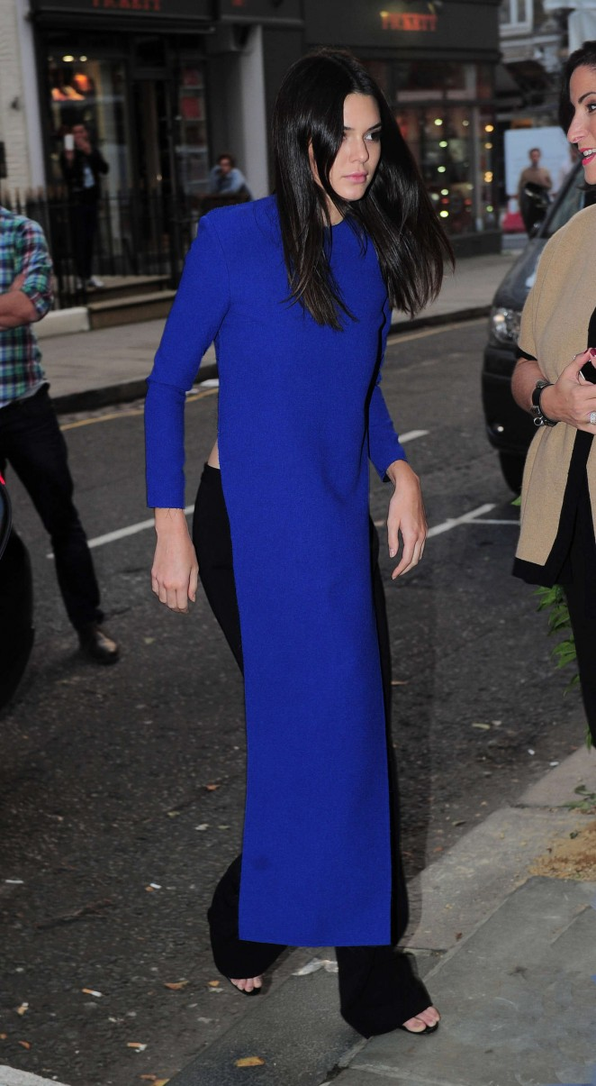 Kendall-Jenner--Arrive-at-Cadogan-Hall--05-662x1205