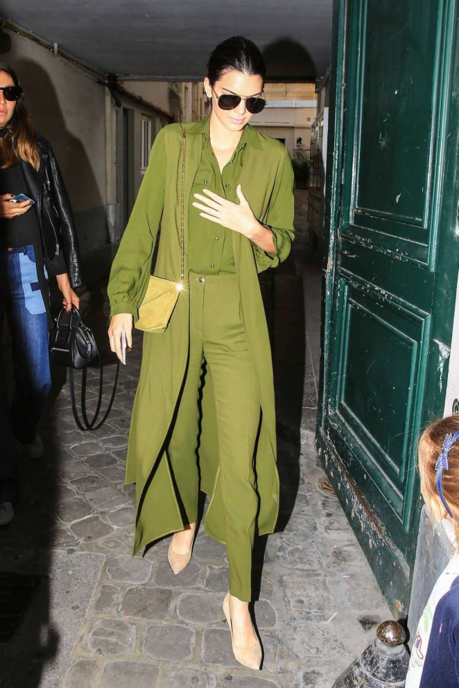 Kendall-Jenner-in-Green--02-662x993