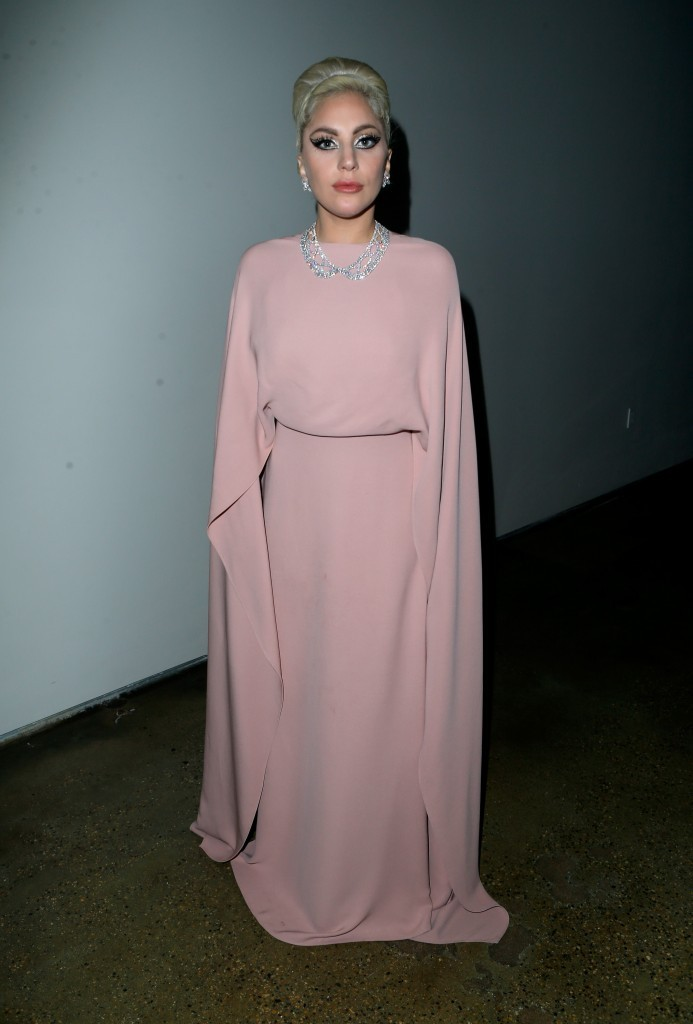 Lady-Gaga-Pastel-Pink-Valentino-Gown-693x1024