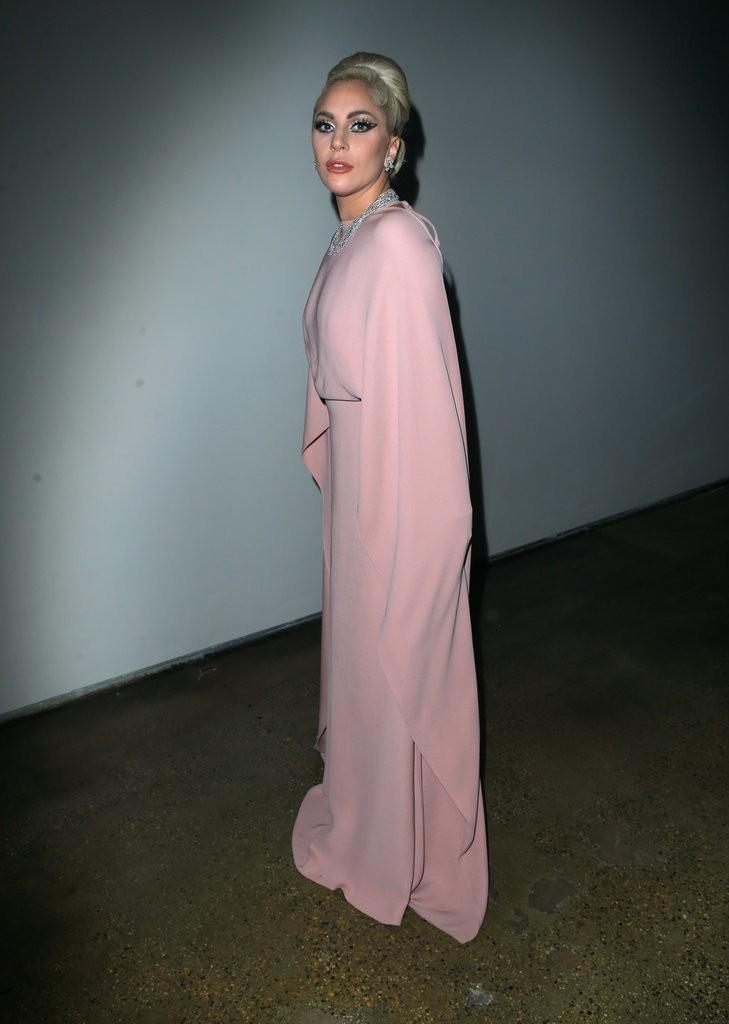 Lady-Gaga-Pastel-Pink-Valentino-Gown