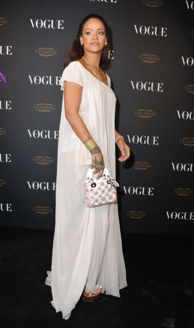 Rihanna--Vogue-95th-Anniversary-Party--08-662x1116