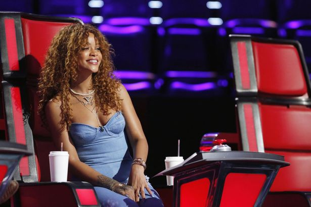 Rihanna-on-THE-VOICE