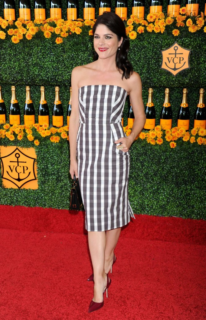 Selma-Blair--6th-Annual-Veuve-Clicquot-Polo-Classic--05-662x1027