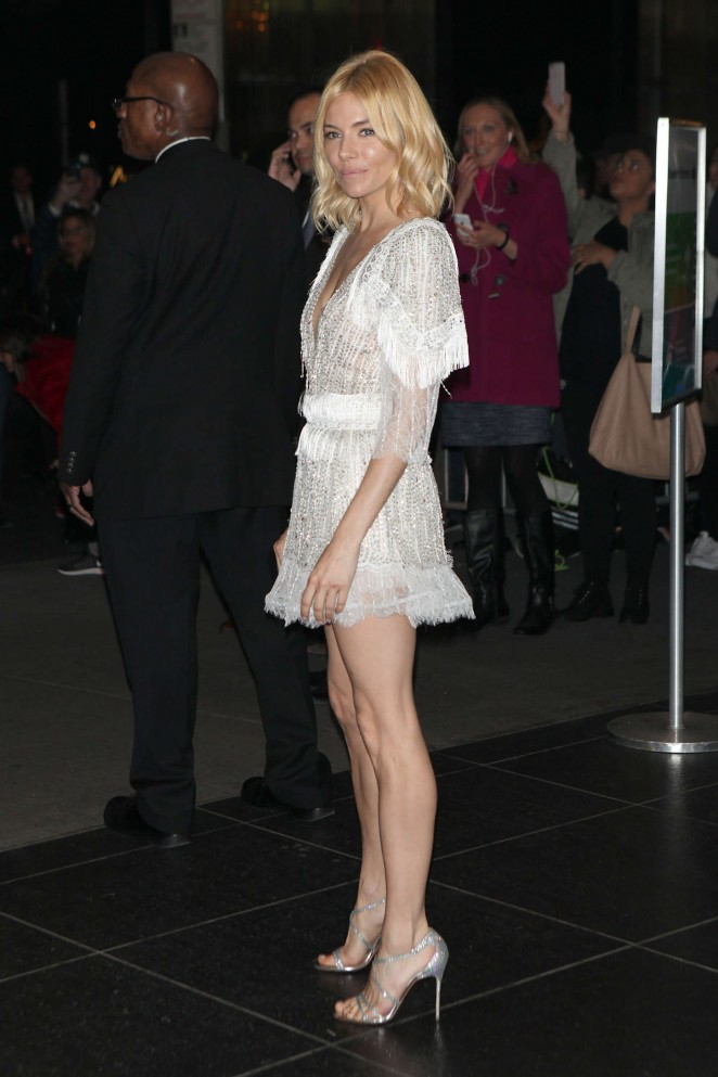 Sienna-Miller--Burnt-NY-Premiere--13-662x993