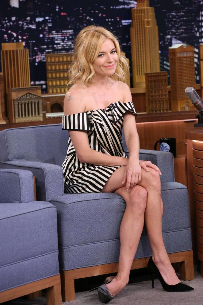 Sienna-Miller--The-Tonight-Show-Starring-Jimmy-Fallon--04-662x993