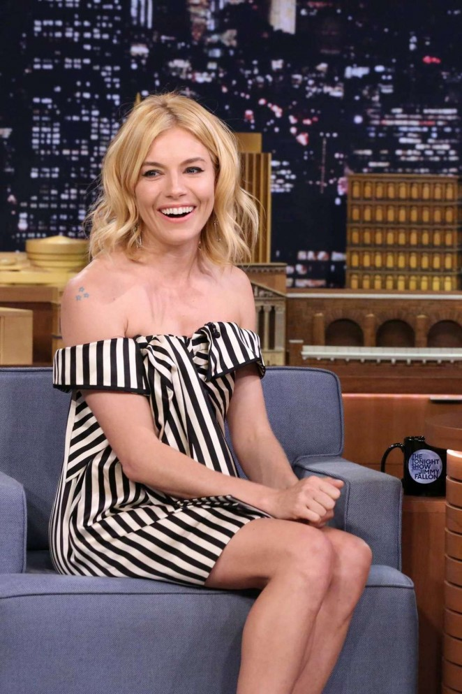 Sienna-Miller--The-Tonight-Show-Starring-Jimmy-Fallon--05-662x993