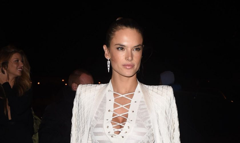alessandra-ambrosio-balmain-show-after-party-in-paris-october-2015_1